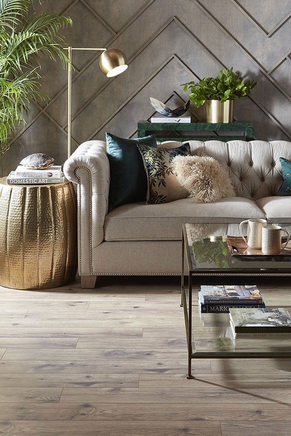 Mixed metal design in a living room