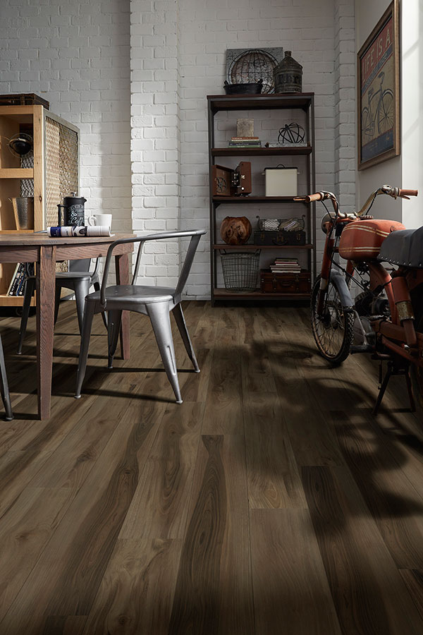 Learn How to Keep Your Vinyl Floors Looking New